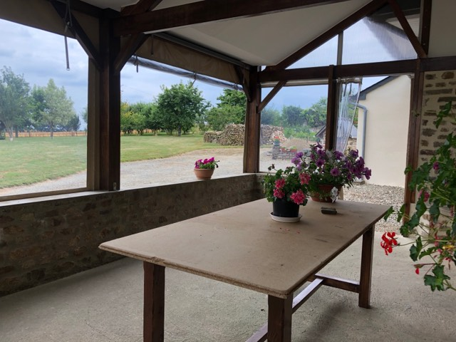 b ches sur mesure pour la fermeture d une terrasse. Black Bedroom Furniture Sets. Home Design Ideas